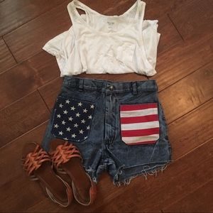 🇺🇸Urban Outfitters Flag Shorts🇺🇸